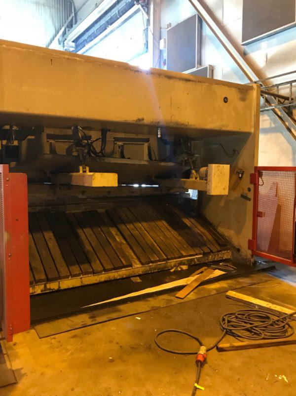 BAYKAL HNC 3100x25 Hydraulic Plate Shears 20 202 BAYKAL 2 scaled 1