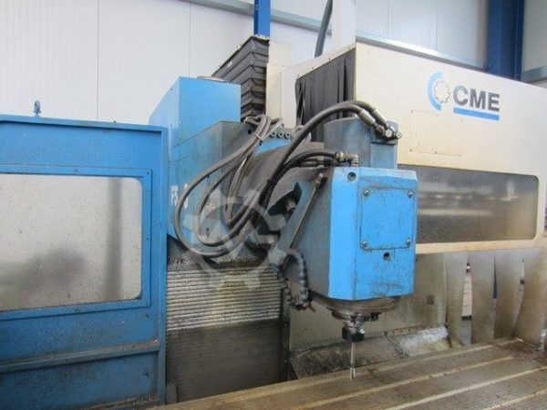 CME F6 Bed Mill year 2002 3320519 3