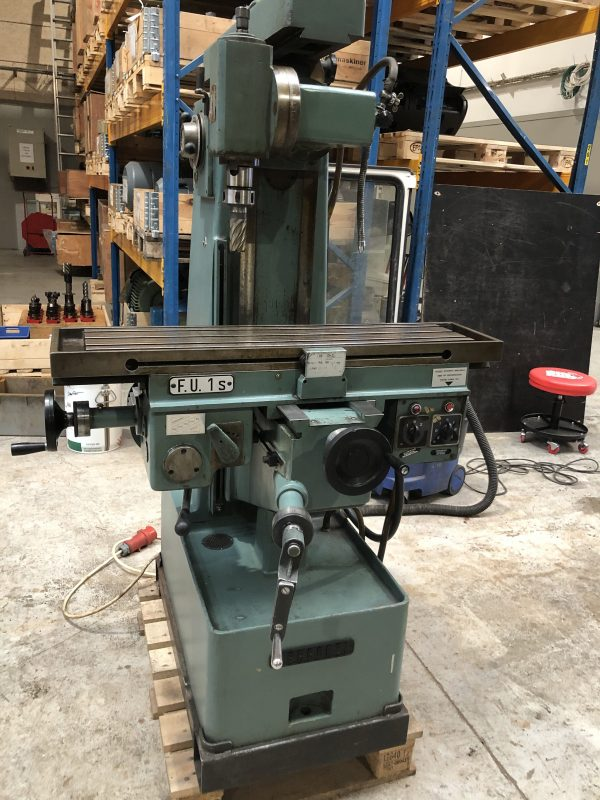 BERGONZI FU 1S Universal Milling Machine IMG 4007 rotated 1 scaled