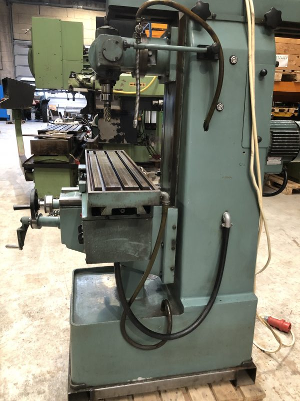 BERGONZI FU 1S Universal Milling Machine IMG 4012 rotated 1 scaled